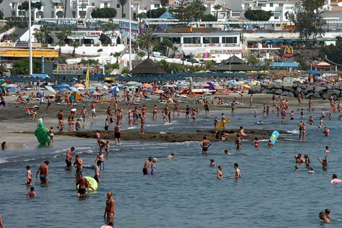 Los turistas extranjeros suben un 8% en Canarias en 2014 hasta 11,4 millones