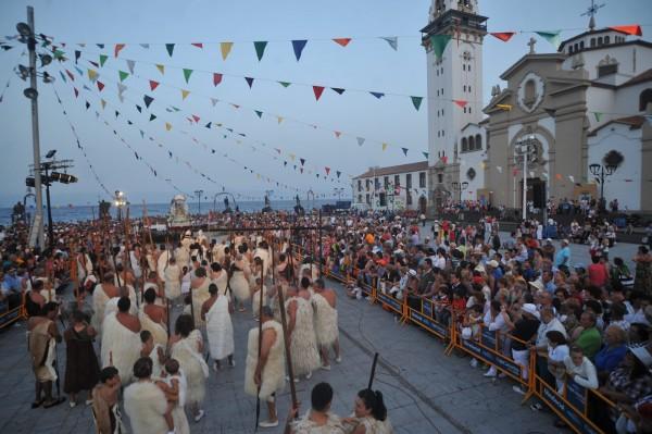 Los guanches reciben a 'la Morenita'. | F. P.