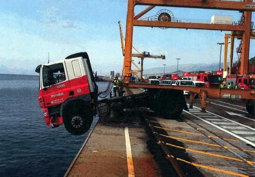 http://www.diariodeavisos.com/wp-content/uploads/2011/09/camion-el-bufadero.jpg