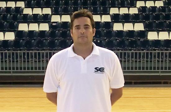 Hernández entrenará al primer equipo además de al Minibasket 2006 de la entidad. / fran pallero