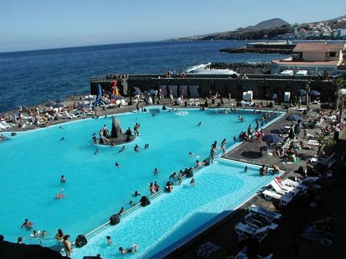 Candelaria aspira a disponer de piscina cubierta antes de for Piscina municipal puerto de la cruz