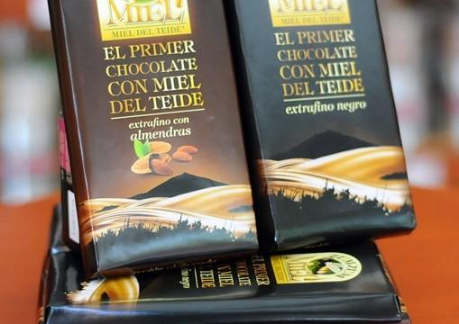 Primer chocolate con miel del Teide