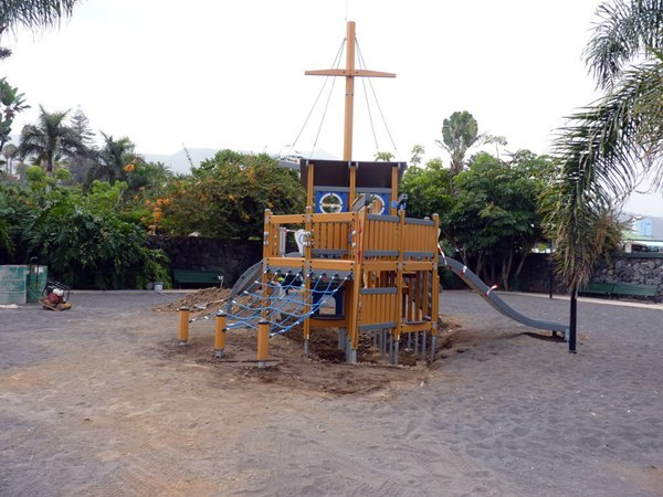 Reacondicionan por fases los parques infantiles del - Parques infantiles en santa cruz de tenerife ...