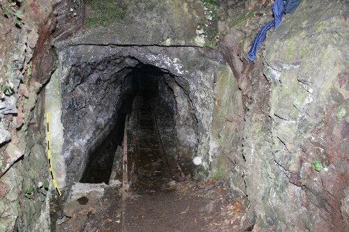 Entrada de la galería de Piedra de Los Cochinos