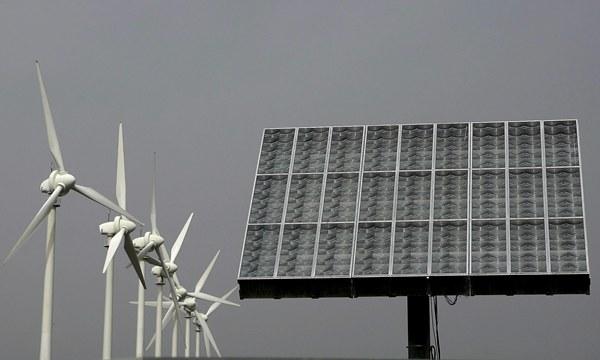 Sistemas de generación eléctrica a partir del viento y el sol, actividades muy vinculadas a gastos en procesos de innovación. / DA