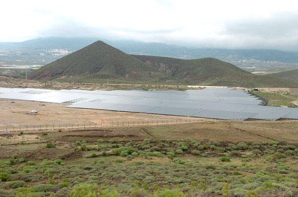 Espacio ocupado para la generación de energía fotovoltaica, en Tenerife. / DA