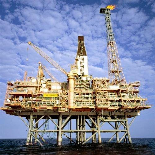 Imagen de archivo de una plataforma petrolífera.   EP