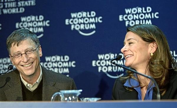 Bill Gates junto a su esposa Melinda
