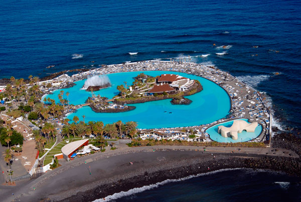 puerto la cruz milf personals Puerto de la cruz is a popular tourist resort town in the canary islands in fact its  history of international tourism began in the late 18th century there are.