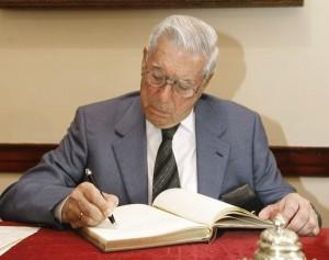 VARGAS LLOSA EN LA CASA MUSEO DEL ESCRITOR CANARIO BENITO PÉREZ GALDÓS