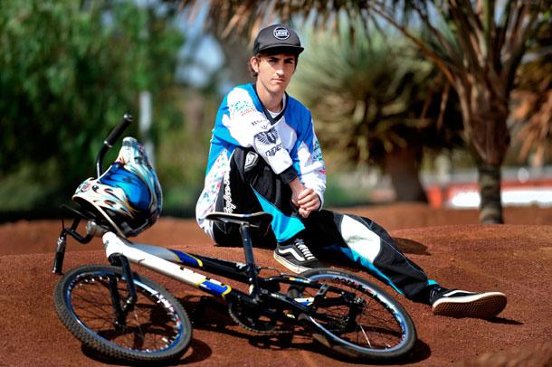 ALEJANDRO SUAREZ-BMX