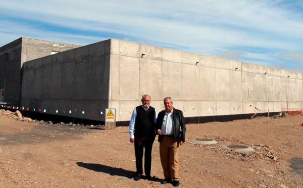 En el polígono industrial de Granadilla se ubica la desaladora, en obras, de la zona Sureste de la Isla. / DA