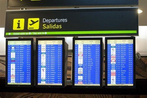 Los aeropuertos canarios registran 24 cancelaciones de vuelos interinsulares durante las primeras horas de este sábado