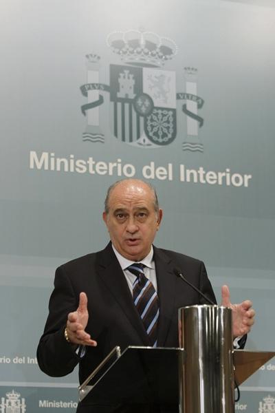 El pp reformar la ley electoral para que los exiliados for Escuchas ministro del interior