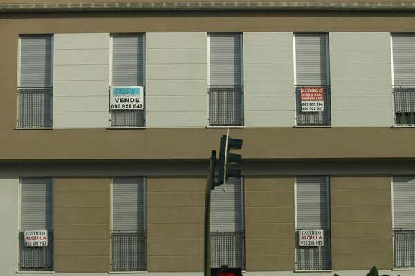 Solo cuatro bancos acumulan al menos 100 pisos en santa cruz diario de avisos - Pisos de bancos bbva ...