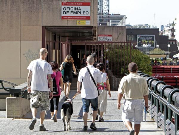 EL DESEMPLEO BAJA EN ESPAÑA POR CUARTO MES CONSECUTIVO