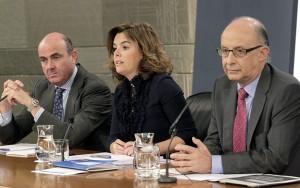 Guindos, Sáenz de Santa María y Montoro presentaron los presupuestos para 2013. /EFE