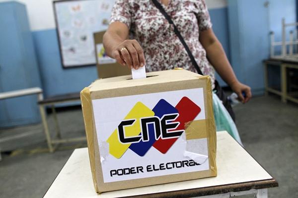 ÚLTIMO SIMULACRO ELECTORAL A UN MES PARA COMICIOS EN VENEZUELA