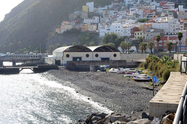 valleseco CARBONERAS PLAYA Y MUELLE