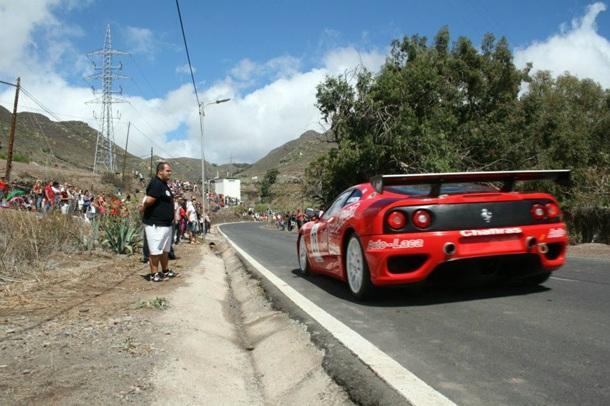 Armide Martín con el Ferrari 360 Módena