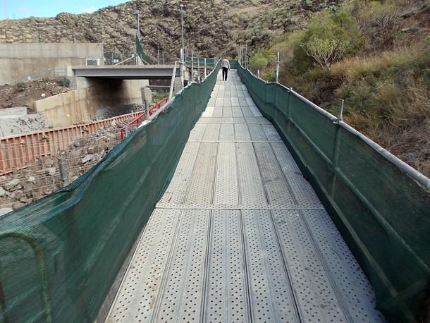 Pasarela de acceso al nuevo campo de San Andrés