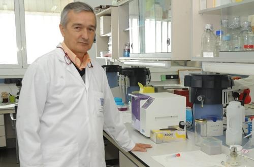 El director del Instituto de Enfermedades Tropicales Basilio Valladares