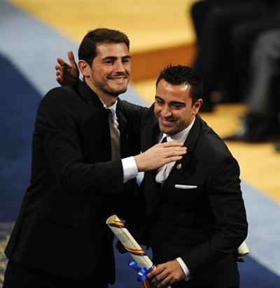 Iker Casillas y Xavi Hernandez Premio Principe de Asturias de los Deportes 2012