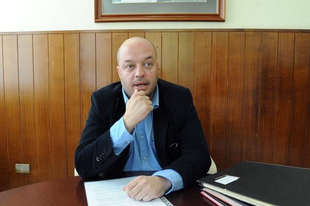 EL DIRECTOR GENERAL DE SANIDAD PUBLICA JOSÉ DIAZ-FLORES durante una entrevista
