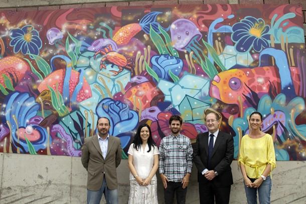 Mural exterior refinería Cepsa Santa Cruz