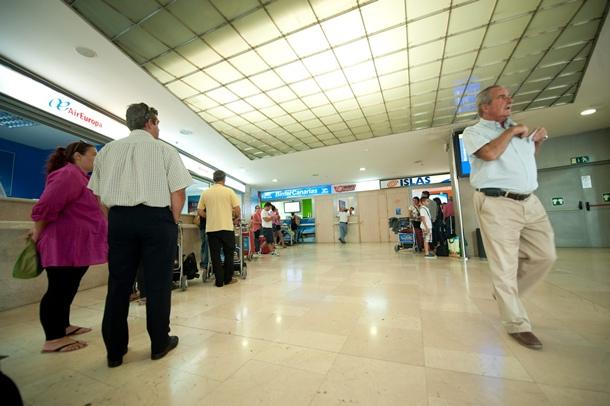 OFICINAS ISLAS AIRWAYS EN LOS RODEOS CIERRE