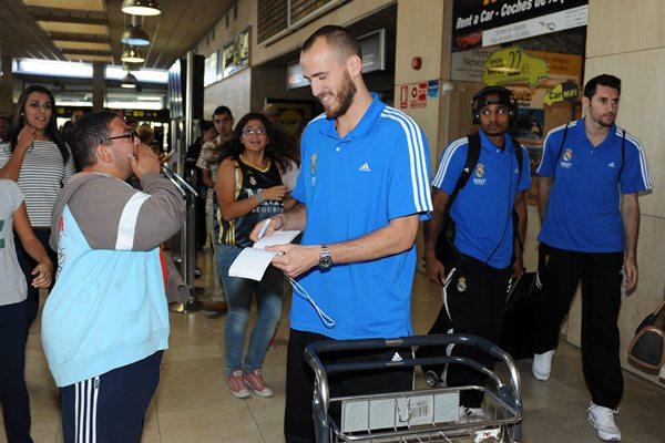 Sergio Rodríguez a su llegada a Los Rodeos.