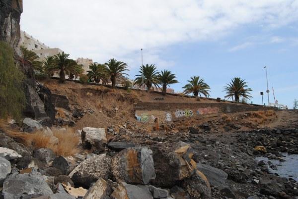 acceso a explanada marítimo de tabaiba derrumbes riada 2012.JPG