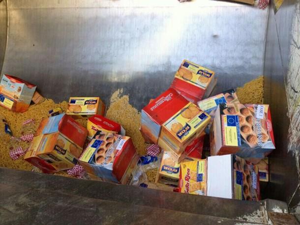 Comida banco alimentos Arona a la basura