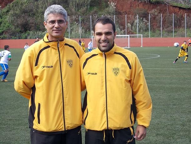 Atlético Tacoronte entrenador José Sanabria y jugador Tana