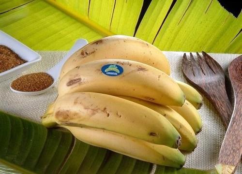 """El Congreso sale al paso del bulo: """"Aquí solo se come plátano de Canarias"""""""