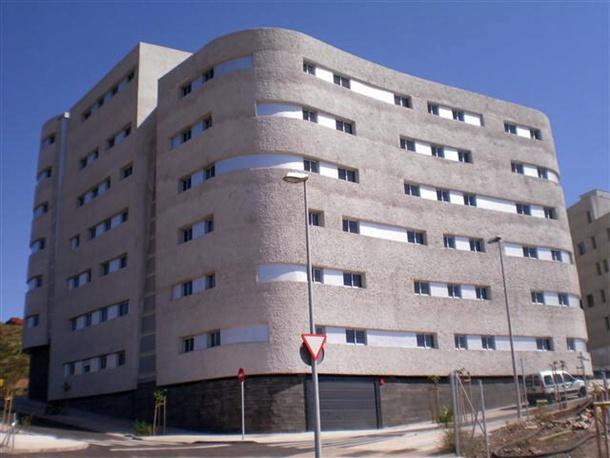 Edificio de viviendas sociales de El Gramal en Geneto
