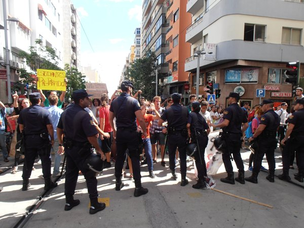 incidentes tranvia estudiantes plaza la paz.JPG