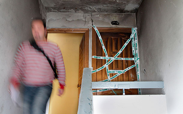 La casa quemada donde murió el granadillero (FOTO: LA VOZ DE ALMERÍA)