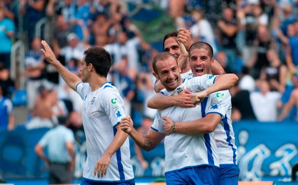 Los jugadores del CD Tenerife celebran una victoria
