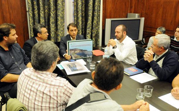 Reunión de vecinos de San Andrés con alcalde de Santa Cruz
