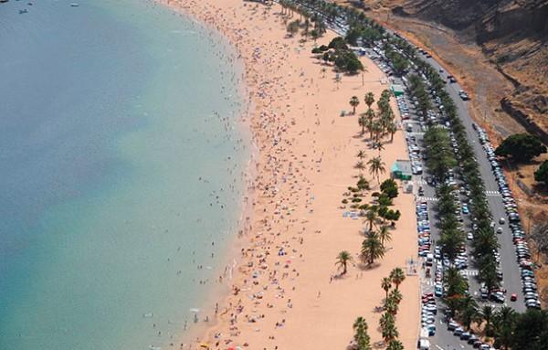 Vista general de la playa de Las Teresitas