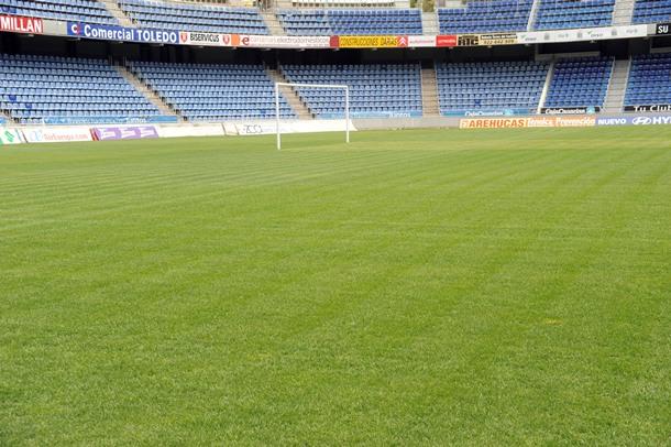 cesped estadio Heliodoro Rodríguez López SM