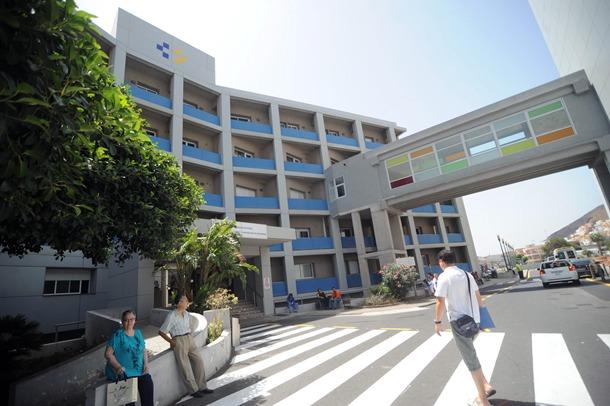 Escuela de Enfermeria junto al hospital de La Candelaria FP