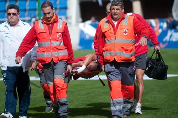 Lesion Luismi Loro ante el Oviedo FP