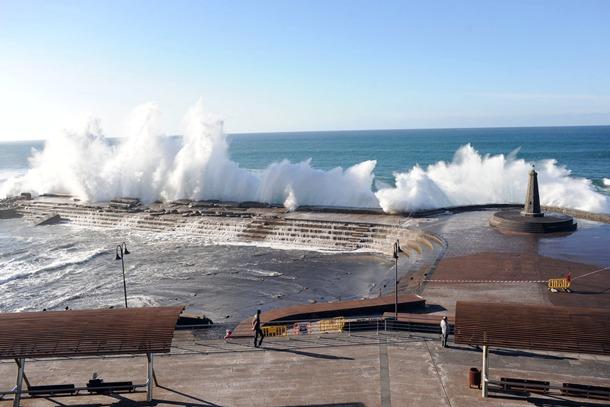 El Cabildo apura el tiempo para reparar el dique de Bajamar este verano