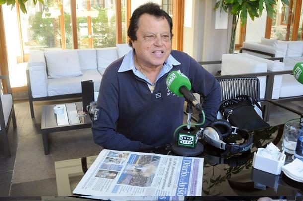 El dirigente marinista, durante la entrevista con Teide Radio. / J. G.