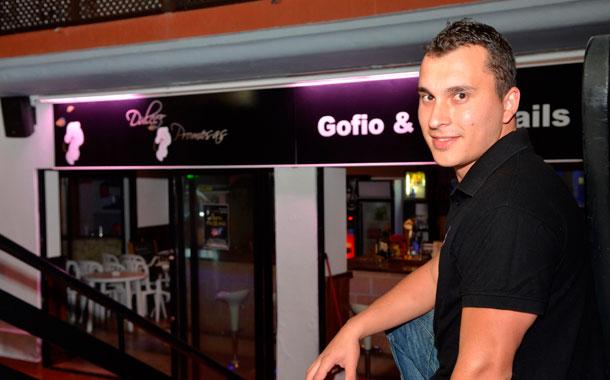 Aarón González Brito - Pub Dulces Promesas