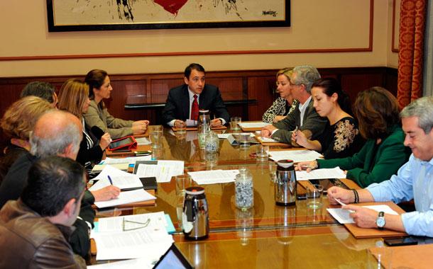 Reunión diputados y senadores con Bermúdez