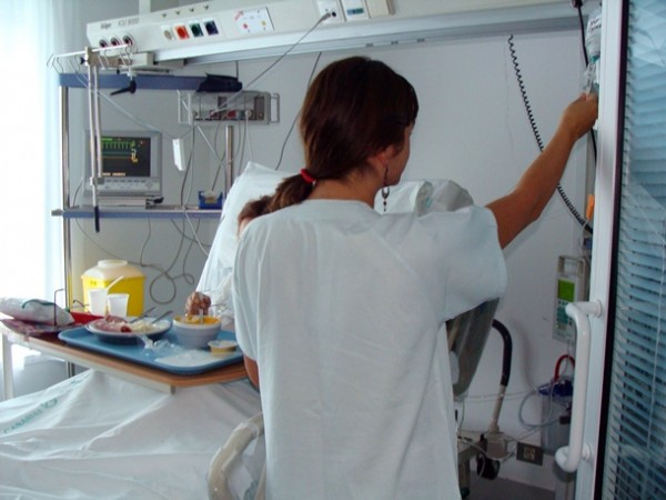 ENFERMERA HOSPITAL ATENCIÓN HOSPITALARIA