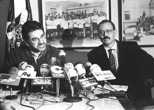 Javier Pérez (izquierda), junto a . | DA